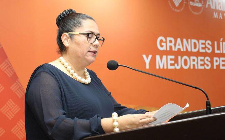 La autora del libro 'Derechos Humanos. Su tutela legal y jurisdicción en México', María Guadalupe Sánchez Trujillo quien es profesora investigadora de esta casa de estudios. (Milenio Novedades)