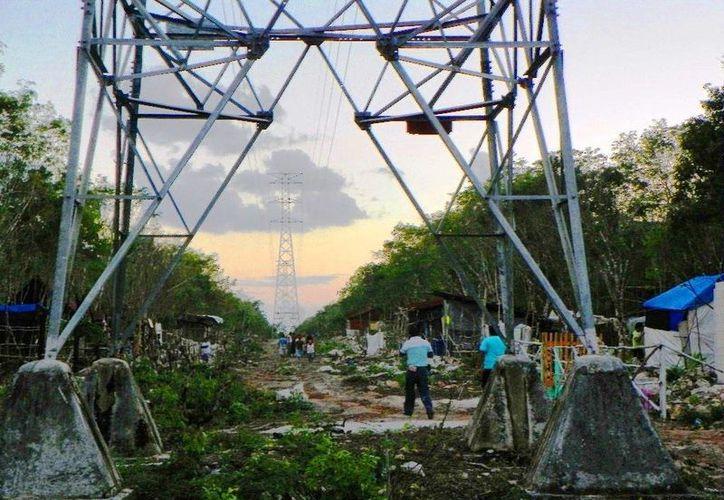 No se ha informado de manera pública sobre avances de la situación del peligroso asentamiento humano. (Daniel Pacheco/ SIPSE)
