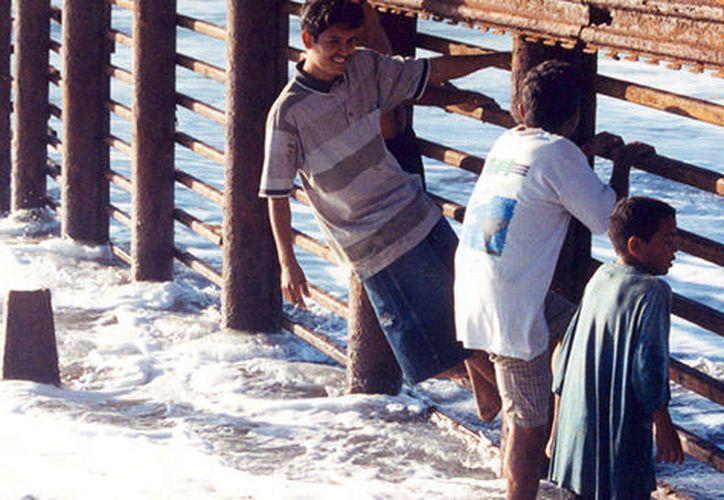Debido a su edad, las autoridades de Estados Unidos no fincan responsabilidades penales a los 'polleritos'; solo los deportan a México.  (Agencia Informativa Conacyt)
