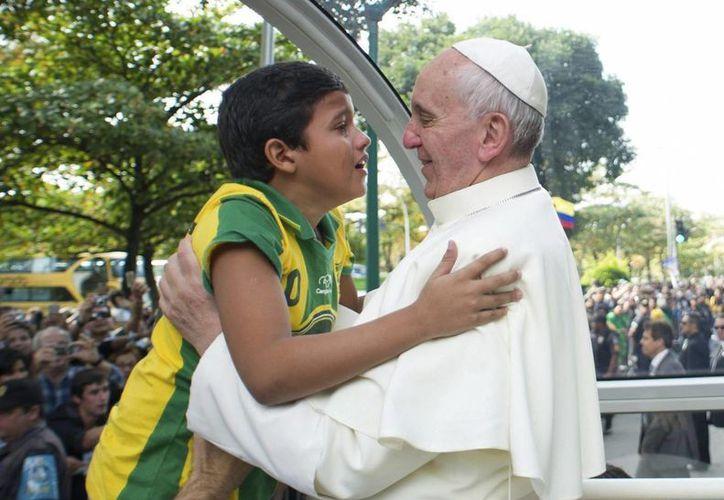 En la imagen un registro del Papa Francisco, durante su visita a Brasil en julio de 2013. (EFE/Archivo)