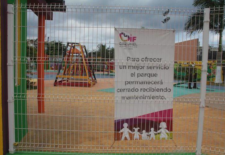 Hasta el momento las instalaciones permanecen cerradas y con este letrero que avisa de las labores de mantenimiento.  (Julian Miranda/SIPSE)