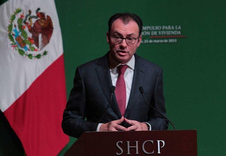 Luis Videgaray Caso, secretario de Hacienda. La dependencia presentó al Congreso el documento Pre-criterios 2015. (Notimex)