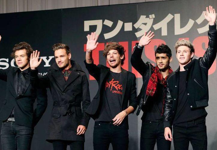 Zayn Malik (segundo de der. a izq.) dijo adiós a la banda One Direction. El grupo musical pop inglés decidió quedarse como cuarteto. (AP)