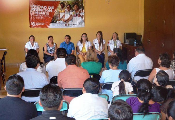 Las pláticas se dieron en el Centro Comunitario de Desarrollo de la colonia Xaman Kah. (Raúl Balam/SIPSE)