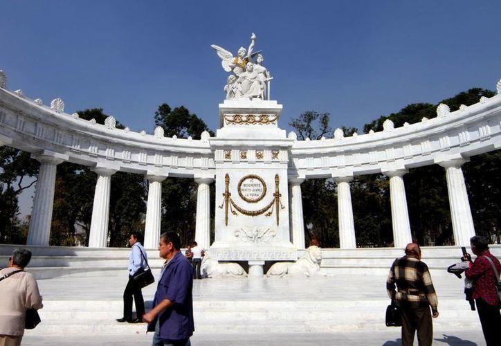 La Alameda Central, uno de los sitios más visitados de la Ciudad de México, contará con internet gratuito. (Archivo/Notimex)