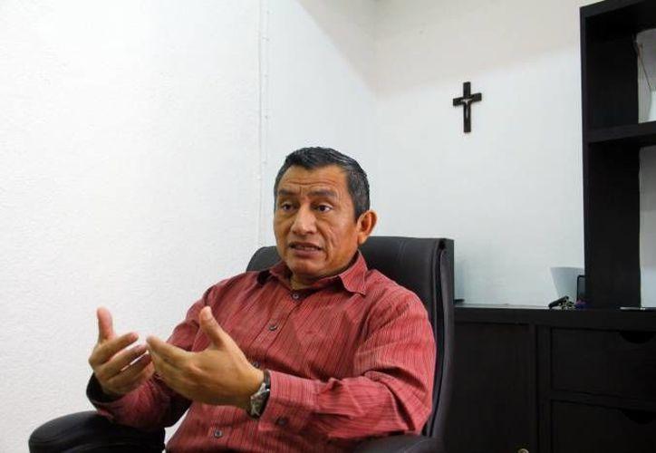 Víctor Chan Martín, presidente de Hogares Maná, señaló que por sus ocupaciones laborales principalmente, los padres no se percatan de los cambios que están viviendo sus hijas hasta que 'desaparecen'. (SIPSE)
