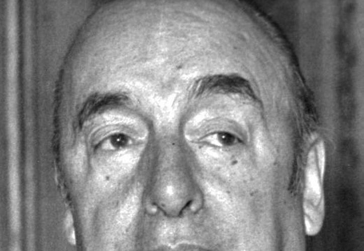 En los restos de Neruda se hallaron restos de productos farmacéuticos, pero nada de agentes químicos. (EFE)