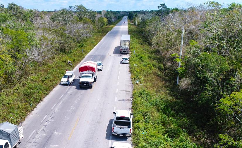 Los ejidatarios aseguran que no accederán a que la vía ferroviaria cruce por la zona, si no les dan la cantidad por la que siempre han luchado. (Daniel Tejada/SIPSE)