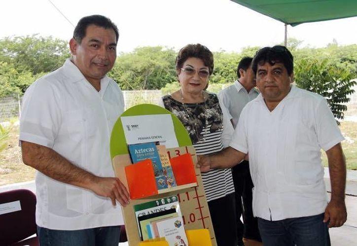 A partir de hoy y hasta junio los estudiantes del último año de preparatoria, primaria y secundaria de Yucatán serán avaluados con la prueba Planea, informó el  secretario de Educación del Gobierno del Estado, Víctor Caballero. (Milenio Novedades)