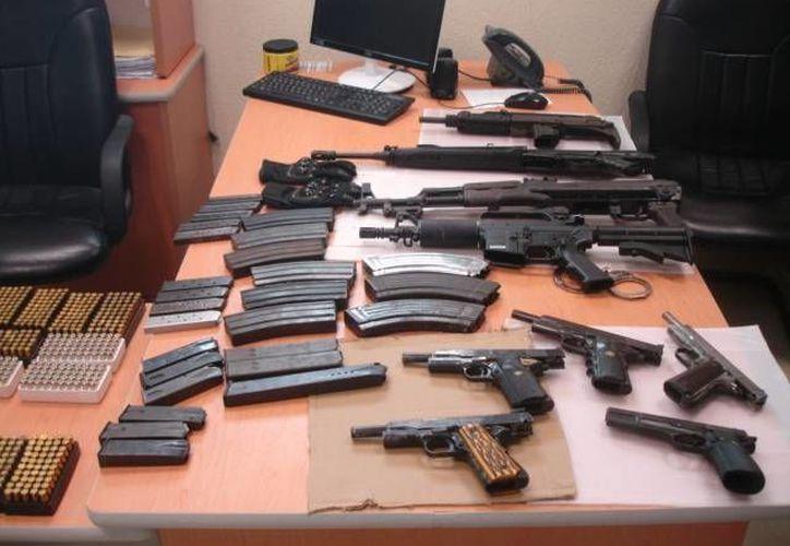 El ejército ha decomisado casi  mil piezas al crimen organizado en lo que va del sexenio. (Archivo SIPSE)