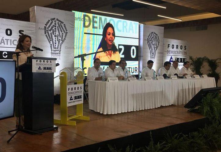 En el debate estarán los 4 aspirantes a Gobernador de Yucatán. (Iepac)