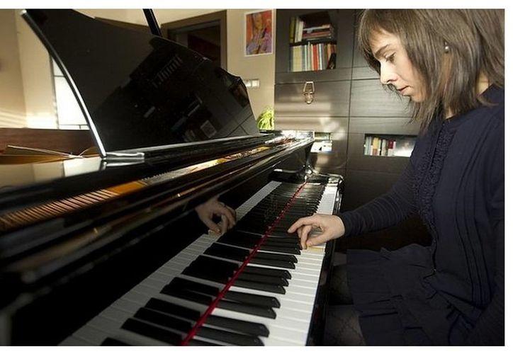 La demandante pide se inhabilite por cuatro años a la pianista Laia Martín por la contaminación acústica a la que dice fue sometida de 2003 a 2007. (Inma Sainz de Baranda/Vanguardia.com)