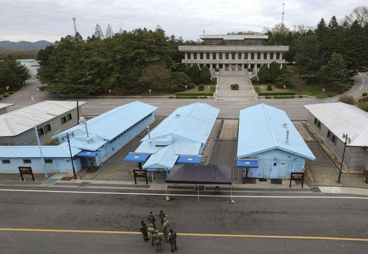 Vista de la zona desmilitarizada intercoreana desde Paju, Corea del Sur, el 26 de abril de 2019. (Ahn Young-joon / AP)
