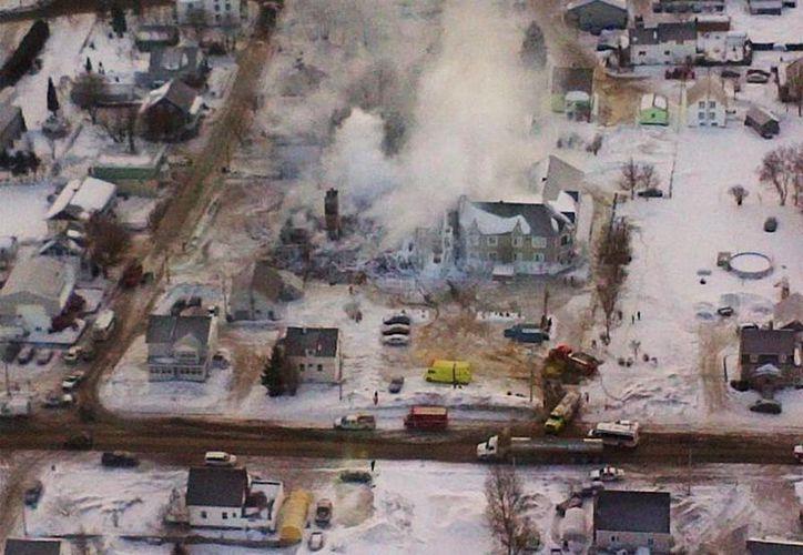 Una fotografía cedida por la Policía de Quebec muestra una vista aérea del resultado de un incendio en la residencia de ancianos Résidence du Havre el 23 de enero de 2014, en L'Isle-Verte en Quebec, Canadá. (EFE)
