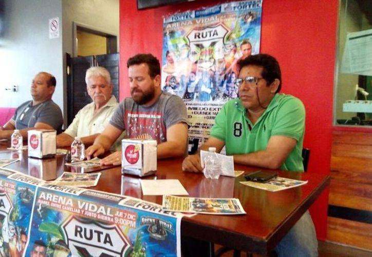 Se presentó la función de lucha libre en una conferencia de prensa. (Miguel Maldonado/SIPSE)