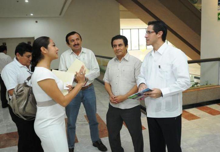 Los presidentes se reunieron en el merco del encuentro del Consejo Consultivo de Turismo de Quintana Roo. (Cortesía/SIPSE)
