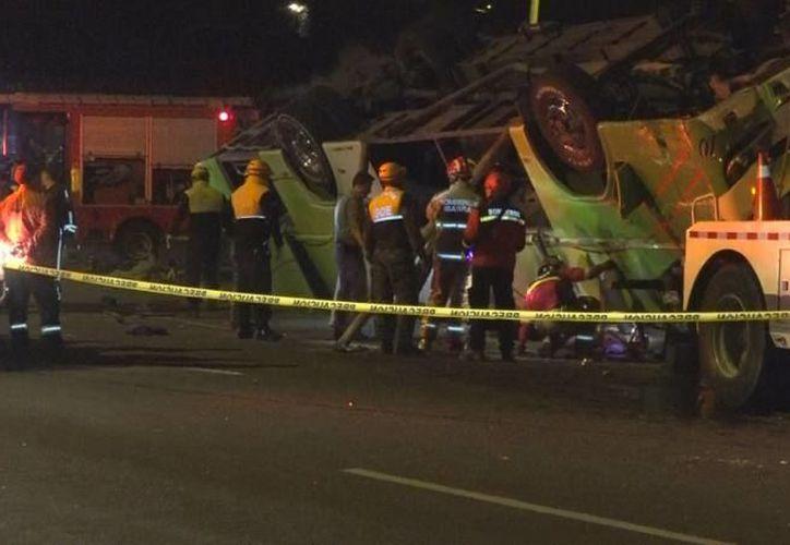 Accidente vial causó la muerte de 13 personas en Ecuador. (Amparito Rosero/El Universo).