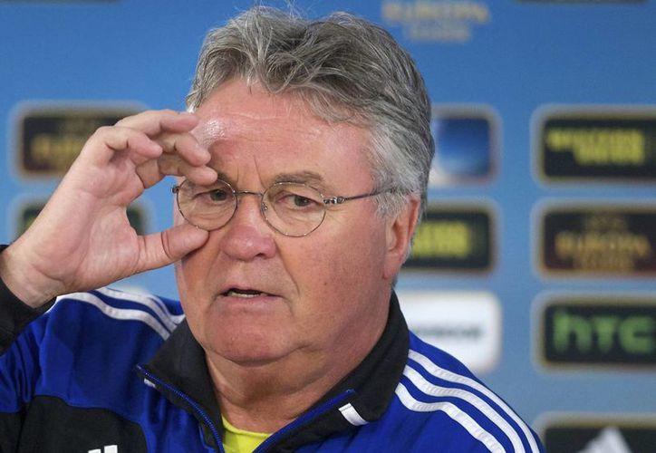 Guus Hiddink intentará ser el primer entrenador que gana un Mundial con Holanda, pero antes debe afrontar la Eurocopa. (Foto: AP)