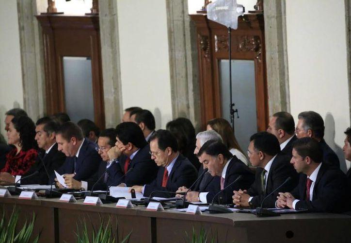 El gobernador de Yucatán y los representantes de los demás estados de la República acudieron a la 41 sesión ordinaria del Consejo Nacional de Seguridad Pública. (Foto cortesía del Gobierno)