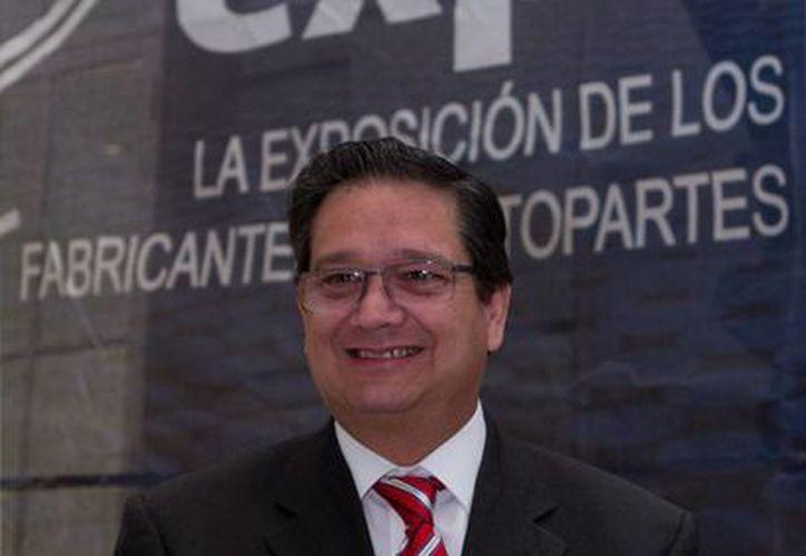 Albín dijo que en el pasado, las normas oficiales mexcianas eran mal vistas por considerarse una barrera no arancelaria. (alvolante.info)