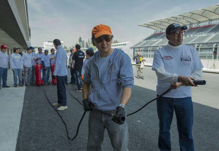 Autoridades de la Ciudad de México dieron a conocer un operativo relativo al transporte de aficionados hacia y desde el Autódromo Hermanos Rodríguez debido al Gran Premio de Fórmula Uno, que se diputará este fin de semana. (Notimex)