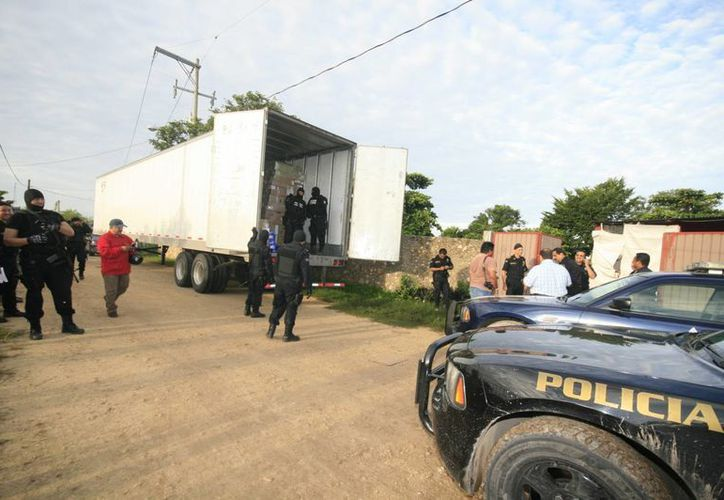 El chofer del trailer asaltado y su acompañante fueron liberados. (SIPSE)