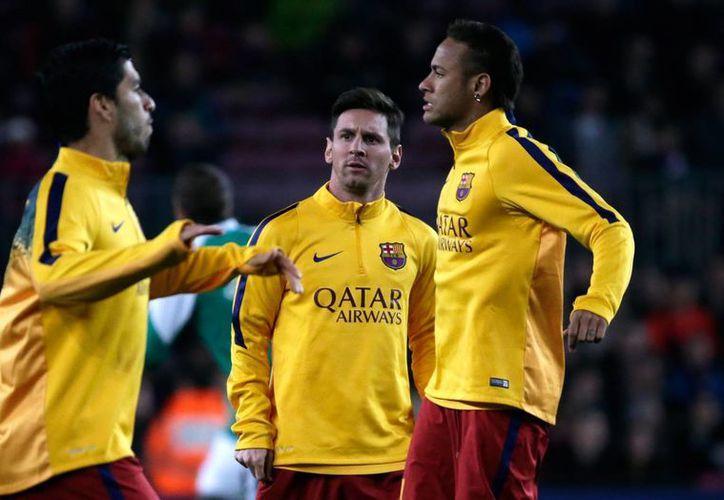Elementos del club Barcelona denunciaron insultos racistas durante el partido con el Espanyol, el cual empataron sin goles. Esta no sería la primera vez que los aficionados de los 'periquitos' están bajo la mira por comportamiento discriminatorio. (Archivo AP)