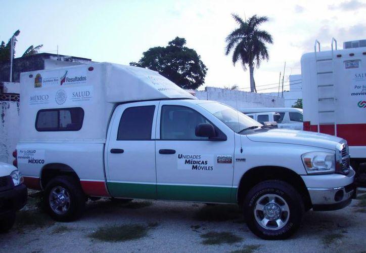 Las antenas satelitales de las unidades están conectadas a equipos médicos de hospitales. (Paloma Wong/SIPSE)