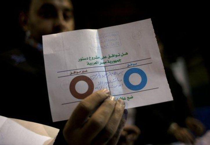 Morsi emergería victorioso tras los resultados del referéndum. (Agencias)
