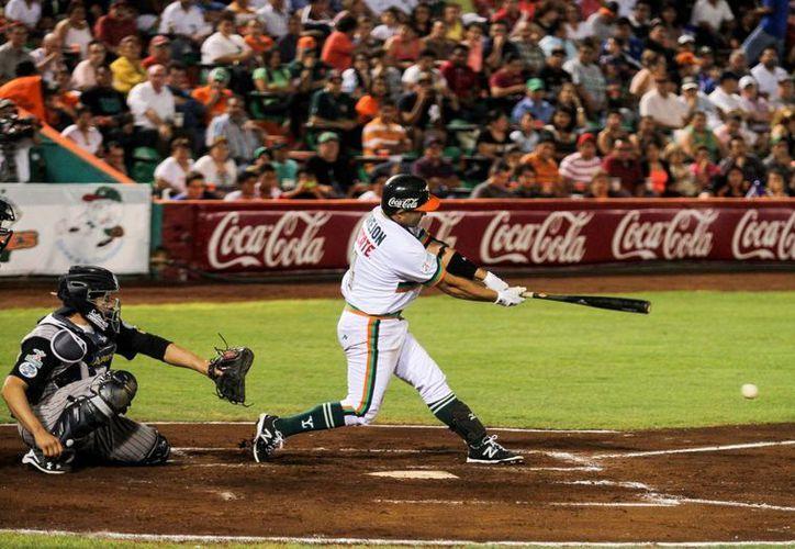 El yucateco Oswaldo Morejón se convirtió en el primer yucateco en llegar a los 2 mil hits. Lo logró esta noche en la derrota de Leones de Yucatán ante Broncos de Reynosa.  (Milenio Novedades)