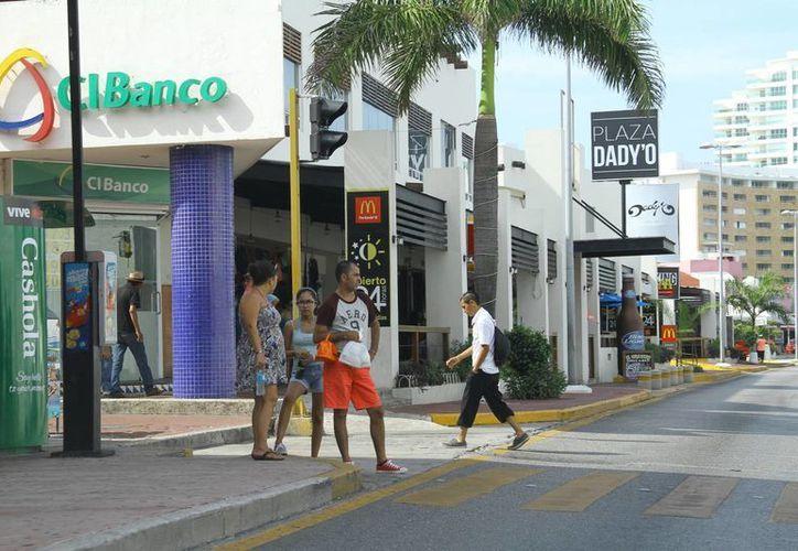 En esta temporada de verano se registra un crecimiento en afluencia de turistas. (Miguel Ángel Ortíz/SIPSE)