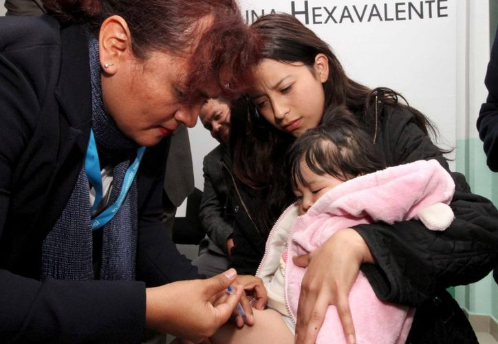 La vacuna hexavalente le puede salvar la vida a los menores de 2 años. (Novedades Yucatán)
