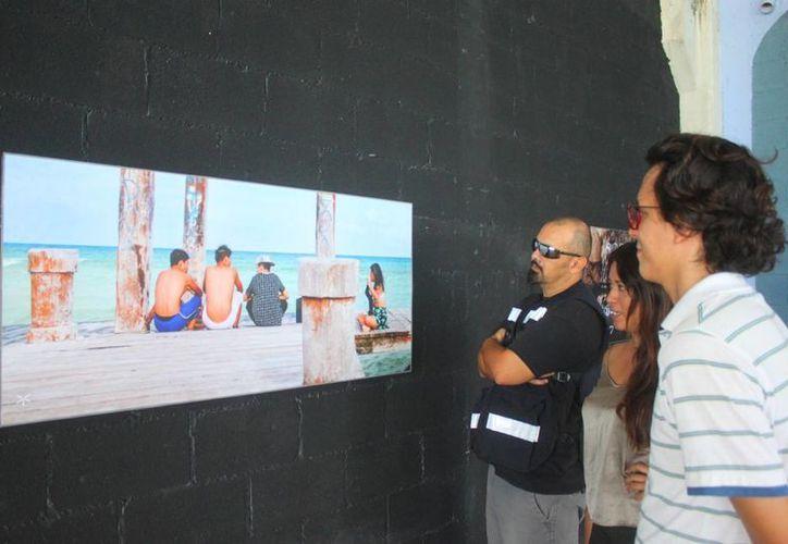 Dentro de la expoción hay artistas desde 16 años y hasta los 40 años. (Daniel Pacheco/SIPSE)