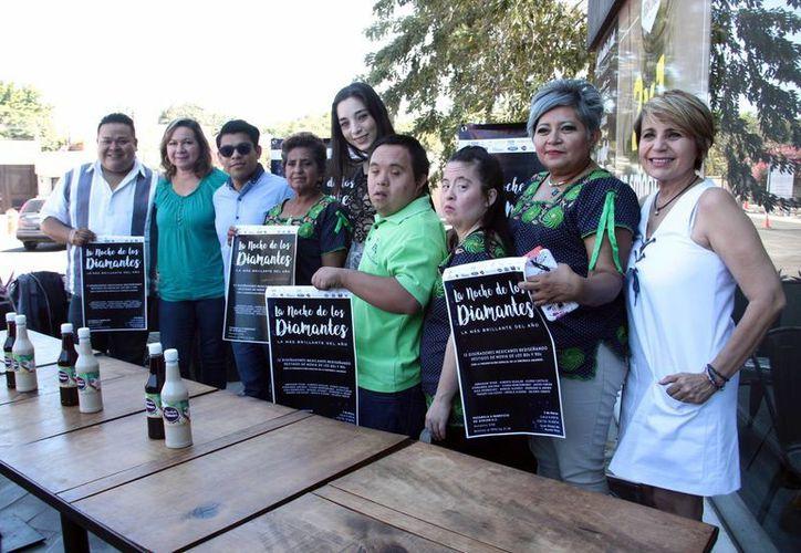 En una rueda de prensa los organizadores y representantes del Club Especial Ayelem A. C. presentaron el evento. (Jorge Acosta/Milenio Novedades)