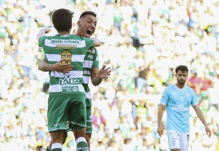 Santos ha tenido una campaña mediocre pero dos buenos resultados le podrían dar el pase por el título (Foto: @ClubSantos)