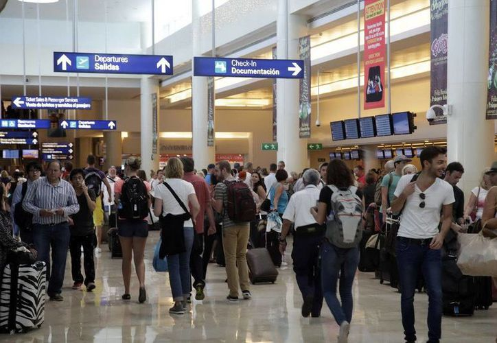 El Aeropuerto Internacional de Cancún registró un incremento en el número de pasajeros movilizados en diciembre. (Redacción/SIPSE)