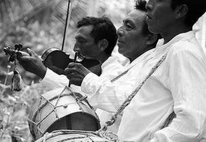Intérpretes de la maya pax. (Redacción/SIPSE)