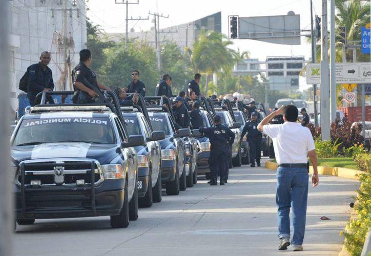 Imagen de un operativo de seguridad en Acapulco, Guerrero. En un solo día 4 personas fallecieron asesinados en diferentes colonias de la ciudad. (Archivo/Notimex)