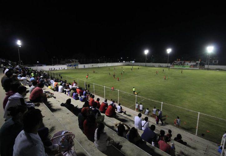 Por la cancha de este estadio pasaron todos los mejores exponentes de esta disciplina deportiva, como: Juan Parra, Raúl 'Diplo' Ortega y Luis Fuentes. (Harold Alcocer/SIPSE)