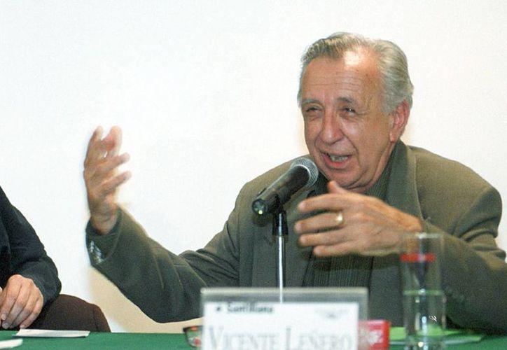 Vicente Leñero escribió sobre futbol, pero su deporte favorito era el beisbol. (Foto de archivo de Notimex)