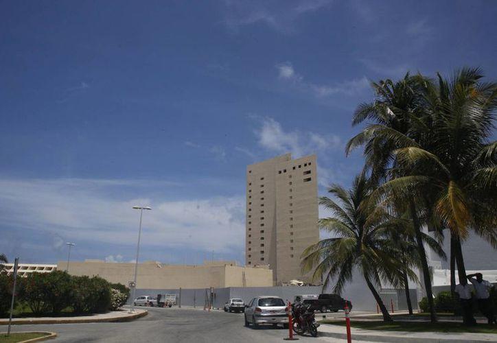 Los trabajos de la primera fase del proyecto de Punta Cancún, concluirán en octubre. (Israel Leal/SIPSE)