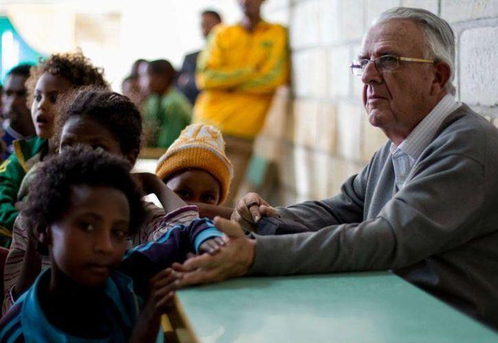 Alfredo Roca (foto) tiene un programa de apadrinamiento a niños y jóvenes en Etiopía. Desde 1987, el religioso llegó al país africano para aportar en la educación. (religiónenlibertad.com)