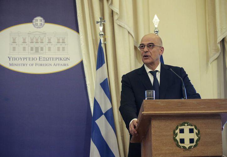 El partido conservador de Grecia, encabezado por Kyriakos Mitsotakis, ganó holgadamente las elecciones del domingo derrotando al gobierno izquierdista. (AP Photo/Petros Giannakouris)