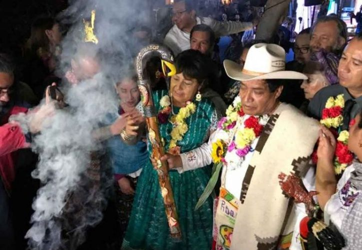 Hipólito Arriaga Pote, gobernador nacional indígena, encabezó la ceremonia. (excelsior.com)
