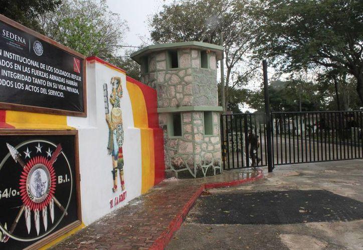Este año se realizaron dos mil 583 solicitudes de la cartilla militar expedido por el Ejército Mexicano. (Hugo Zúñiga/SIPSE)