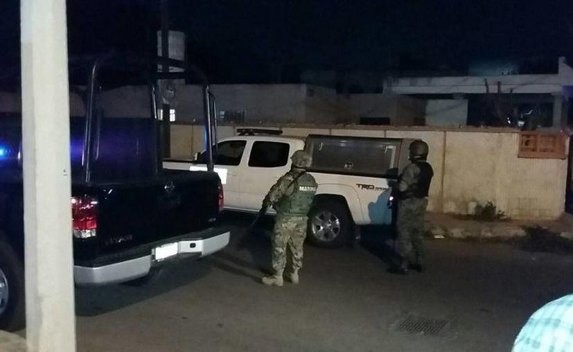 Este lunes se realizó un operativo antidrogas en San Damián, con la presencia de policías estatales y federales y personal de la Marina. (Alejandro Gómez/Milenio Novedades)