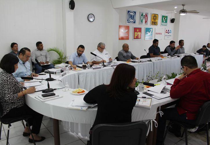 En contraste, para el rubro específico de campañas, a los partidos políticos se tiene programado 17 millones 193 mil 877 pesos. (Joel Zamora/SIPSE)