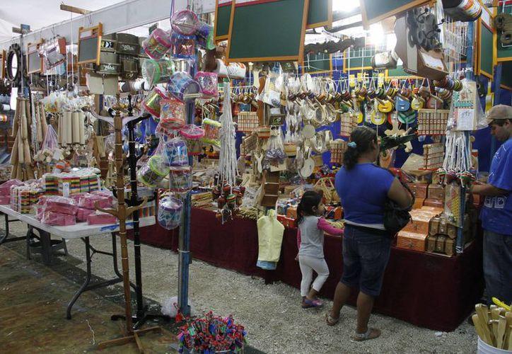 La expo está ubicada sobre la avenida José López Portillo en la Supermanzana 61. (Tomás Álvarez/SIPSE)