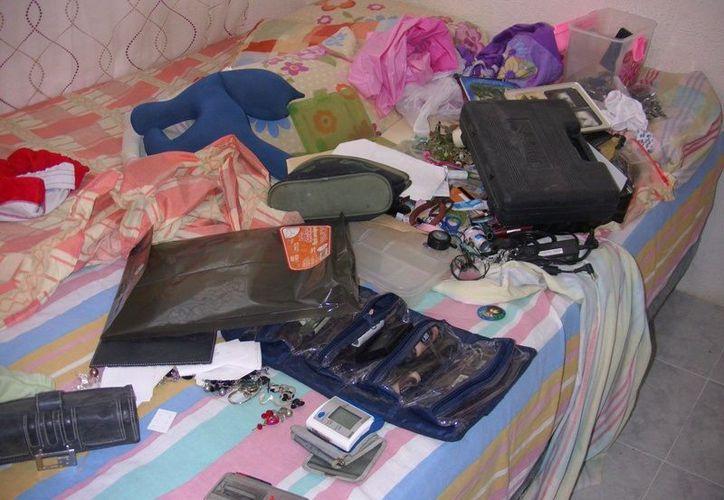 Tras el recuento de los daños, la mujer indicó que lo único que faltaba en su hogar era un joyero repleto de accesorios sin valor. (SIPSE)