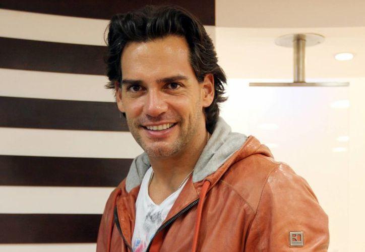"""Cristián de la Fuente indicó que, como trabajó con Joel Nuñez en el filme """"7 años de matrimonio"""", de ahí fue que el director de cine lo volviera a llamar. (Notimex)"""